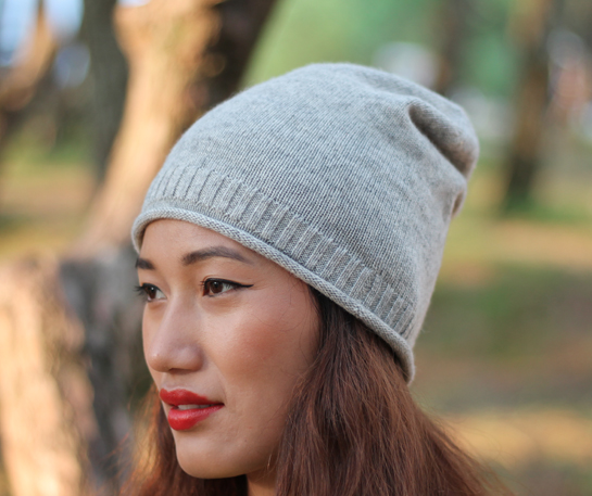 Rolled edge cashmere beanie hat