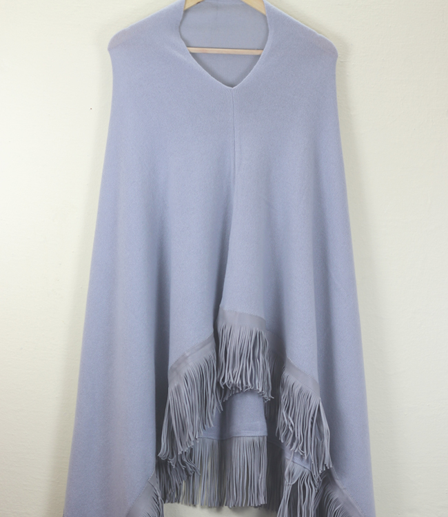 Cashmere poncho with suede fringe