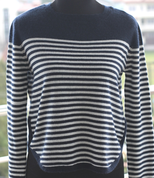 Crew Neck Women's Cashmere Sweater in a stripe design