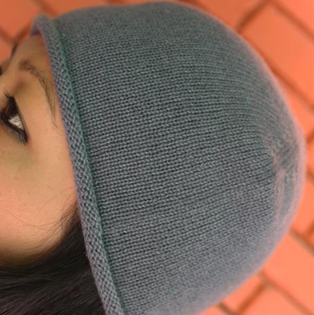 Unisex Cashmere Hat in Plain Knit
